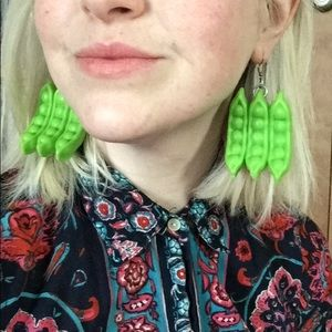 Jewelry - Give Peas a Chance Veggie Kitsch Earrings